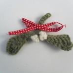 Crochet Mistletoe Brooch